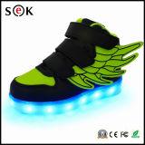 Nuevo 2016 ocasionales populares del deporte de la luz superior a las alas de los niños Zapatos LED para los niños