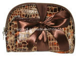 Tre in PVC Travel Toiletry Cosmetic Bags di One Fashion con Bow