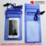 بحر [سويمّينغ بوول] إستعمال [موبيل فون] فسحة حقيبة مسيكة