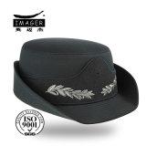 Chapeau avec ruban décoration brodé
