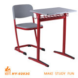 Cadeira e mesa novas modernas ergonómicas da escola