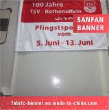 Handdrucken-Ausstellungsstand, der Auto-Markierungsfahne mit Flexmaterial bekanntmacht