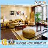 標準サイズのホテルの寝室の家具