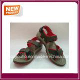 Sapatas da sandália das cores vermelhas para a venda