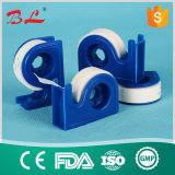 Di nastro di carta non tessuto chirurgico Hypoallergenic con la taglierina