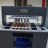 Dentro da máquina de descascamento semiautomática Waste para a estaca do cartão