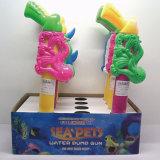 Plastikfisch-Haifisch und Krake-Wasser-Gewehr-Sommer-Spielzeug