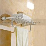 Weiße angestrichene Badezimmer-Zubehör