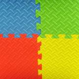 Nicht giftige Puzzlespiel EVA-Matten-ermüdungsfreie blockierenschaumgummi-Mehrfarbenfliesen