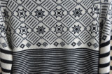 人の冬の円形の首の編むプルオーバーのセーター