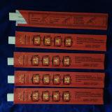 palillos gemelos de los 24cm con la cubierta de papel abierta
