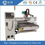Router em mudança do CNC dos cortadores automaticamente
