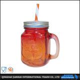 Wasser-Flaschenglas-trinkendes Glas mit Stroh, Metallkappe