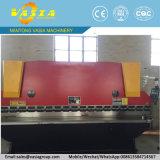 Il CNC preme il freno con i comandi di CNC di Delem Da41