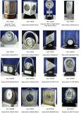 Horloge argentée tournante de mantel de pendule de cadran romain