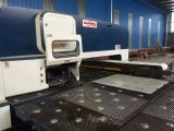 Punzonadora de la torreta del CNC con el servicio de ultramar para libre