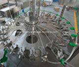 Chaîne de production de mise en bouteilles de l'eau non carbonatée