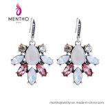 優雅な気質の花の形の水晶石造りの方法宝石類のスタッドのイヤリング
