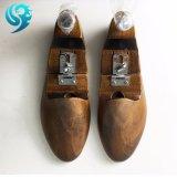 卸し売りカラーによって塗られる工場黒の木の靴の木