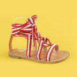 Повелительница Красн и сандалии планки Ankel квартир пояса белизны для женщин