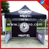 Im Freien rundes bekanntmachendes Zelt mit Drucken