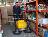 Weg hinter Fußboden-industrieller Kehrmaschine