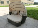 Mobilia esterna del Daybed del rattan del salotto di Sun