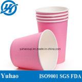 Os copos de papel cor-de-rosa vendem por atacado com preço de fábrica