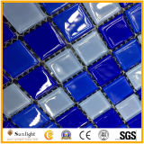 水泳の貧乏人の装飾のためのモザイク・タイルの青いカラーガラスモザイク