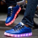 Het Laden van het nieuwe Product USB manier LEIDENE Schoenen laag-Omhooggaande LEIDENE Schoenen voor het Lichtgevende Licht van de Vrouwen van de Mannen van Volwassenen omhoog
