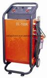 Cambiador da transmissão automática. Máquina da limpeza