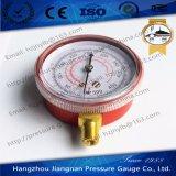赤い鋼鉄箱が付いている冷却する圧力計
