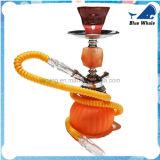 Kleine orange rauchende Huka Shisha