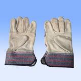 Кожаный перчатка