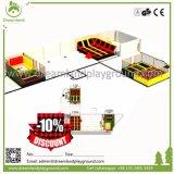 Parque interno usado do Trampoline do tirante com mola dos miúdos quadrados para crianças