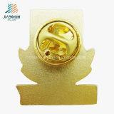 エナメルの金によってめっきされる古い城のロゴの金属ボタンPin