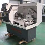 Sola máquina independiente Ck6132A del CNC del torno del motor servo del eje de rotación pequeña