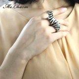 Donne degli anelli dei doppi di barretta della zebra grandi degli anelli monili di cristallo di modo