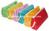 Caixa de lápis dos estudantes relativos à promoção do saco de escola