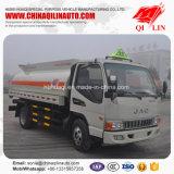 2 assen die de Vrachtwagen van de Tanker met ABS Remmend Systeem bijtanken