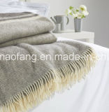 編まれたヘリンボン純粋な綿毛布()