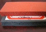 Feuille résistante de caoutchouc spongieux de silicones de température élevée, feuille de caoutchouc mousse de silicones avec l'adhésif du support 3m