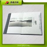 Livro gravado colorido da tampa de Semifold do papel da textura