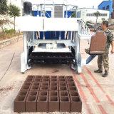 機械Dmyf-18Aに機械を作るコンクリートブロックをする移動式卵置くブロック