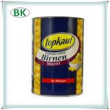 実質ジュースによって缶詰にされるモモの缶