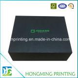 Il marchio nero ha impresso il contenitore di monili di carta con l'inserto della gomma piuma