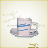 정연한 선 커피 잔