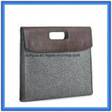 Material de feltro ecológico de feltro Bolsa de manga comprida para laptop, porta-bagagens para laptop personalizadas com fechamento de botão (o conteúdo de lã é de 70%)