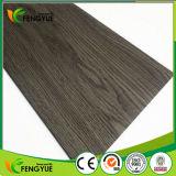 Étage en bois de vinyle de PVC de texture de surface en bois de couleur
