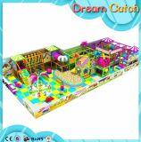 Campo de jogos interno dos miúdos do infantário do preço de fábrica com corrediça plástica com certificado